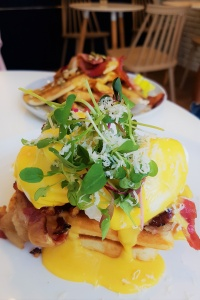 Summer Lane Best Brunch Seoul Korea Eggs Benedict Itaewon Kyungridan Eggs Benedict Bacon French Toast