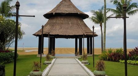 Shangri-La Rasa Ria Resort and Spa Outdoor Destination Wedding on the Beach Kota Kinabalu Borneo Sabah Malaysia