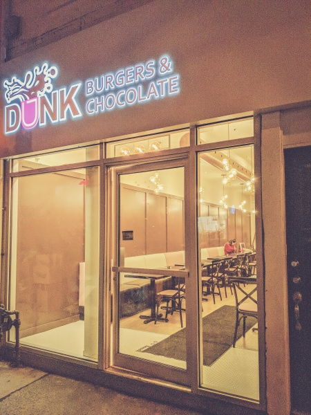 DUNK Burgers & Chocolate Restaurant